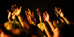 Orar por un amorabundante