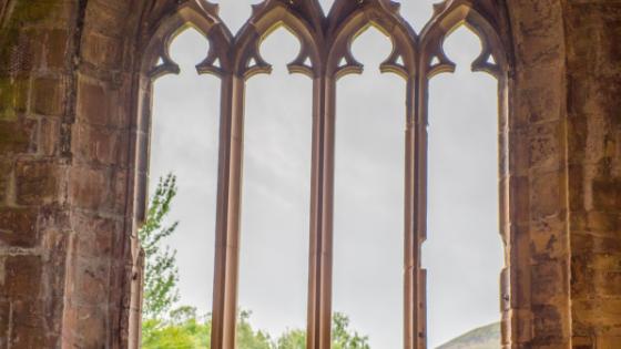 ¿Por qué creyentes verdaderos permanecen en iglesias que no predican elevangelio?